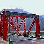 奥多摩の赤い橋