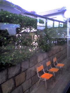 トモテツのバス停のイス