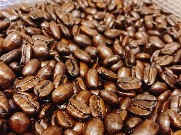 コーヒーオイルを纏ったフレンチローストのマンデリン