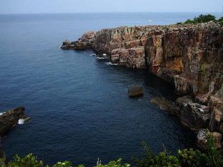 南紀白浜・断崖絶壁の三段壁