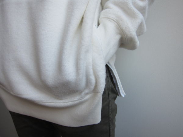ONES STROKE ワンズストローク MocoLoose turtleneck Sweater white 4.jpg