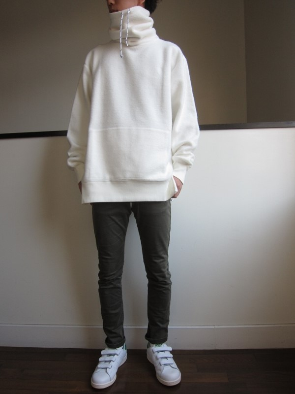ONES STROKE ワンズストローク MocoLoose turtleneck Sweater white 6.jpg