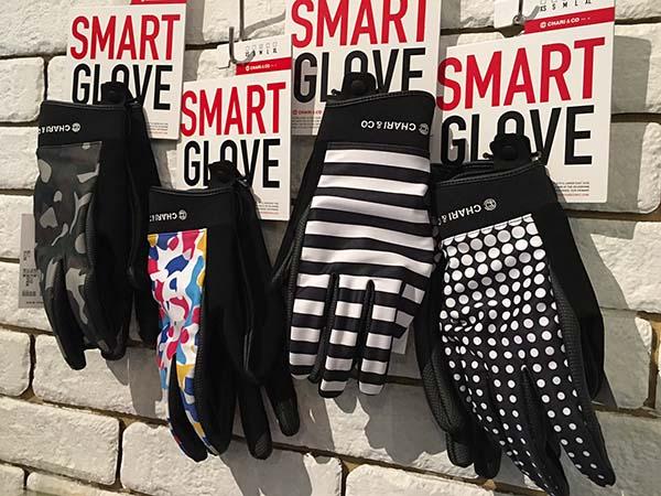 chari&co nyc smart glove.jpg