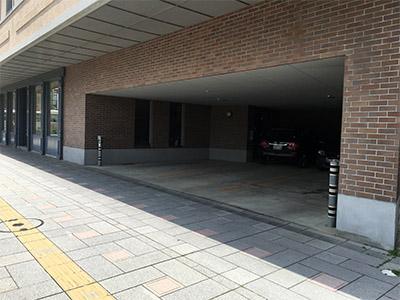 ciento 駐車場.jpg