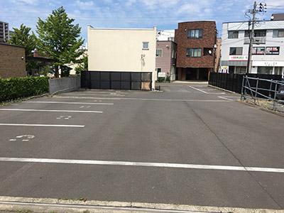 deelight 駐車場1.jpg