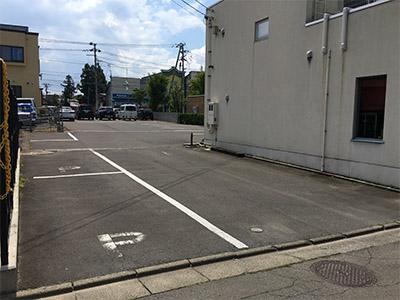deelight 駐車場2.jpg
