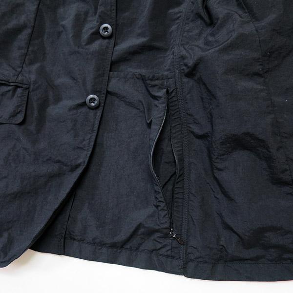 テアトラ デバイスジャケットのポケット.jpg