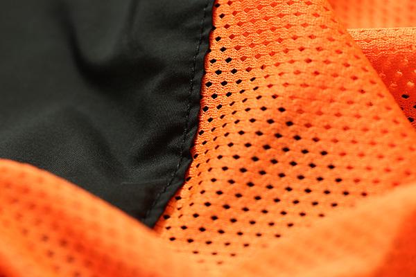 チャリアンドコー virtical-ventilation-hoodie-s-05.jpg
