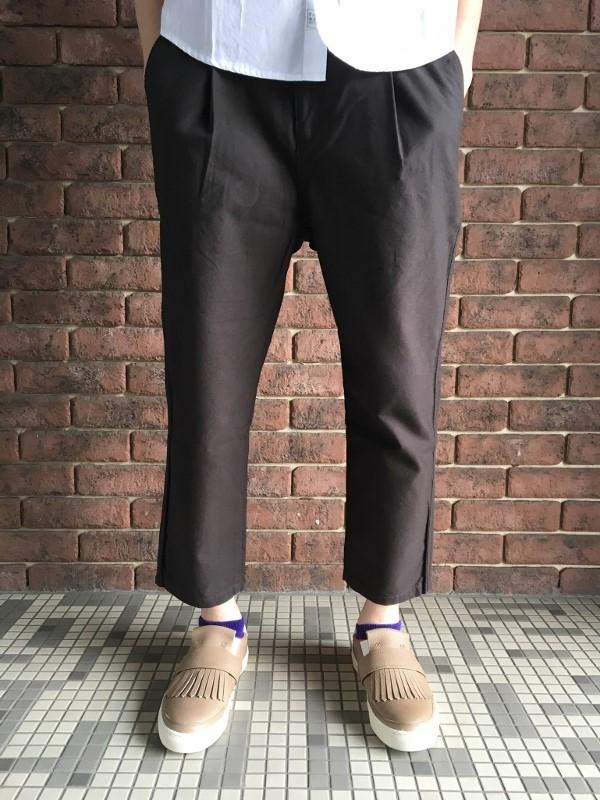 ONES STROKE ワンズストローク Oxford Chanbray Onetuck Pants 3.jpg