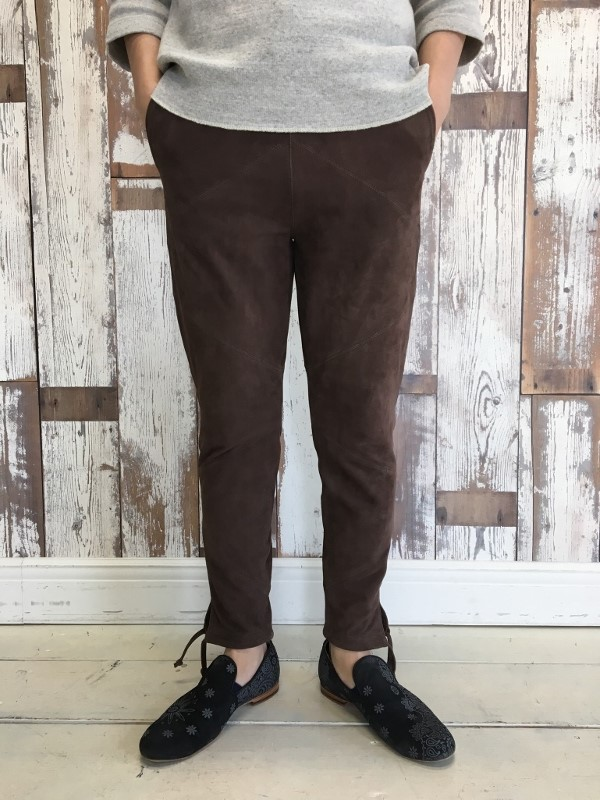 Marea Erre マレアエッレ suede long pants brown 2.jpg