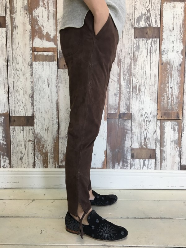 Marea Erre マレアエッレ suede long pants brown 3.jpg