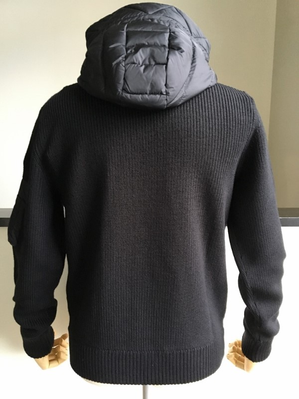 MONCLER モンクレール KNITTED CARDIGAN 2.jpg