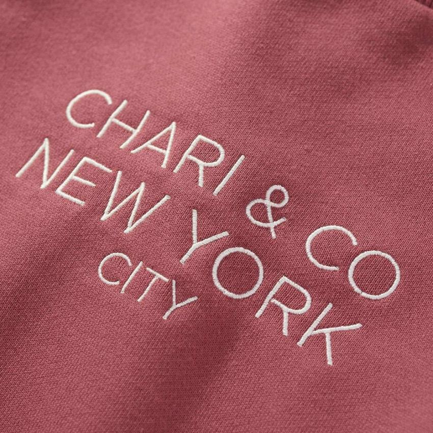 Chari&Co チャリアンドコー GOTHAM LOGO CREWNECK SWEATS 2.jpg