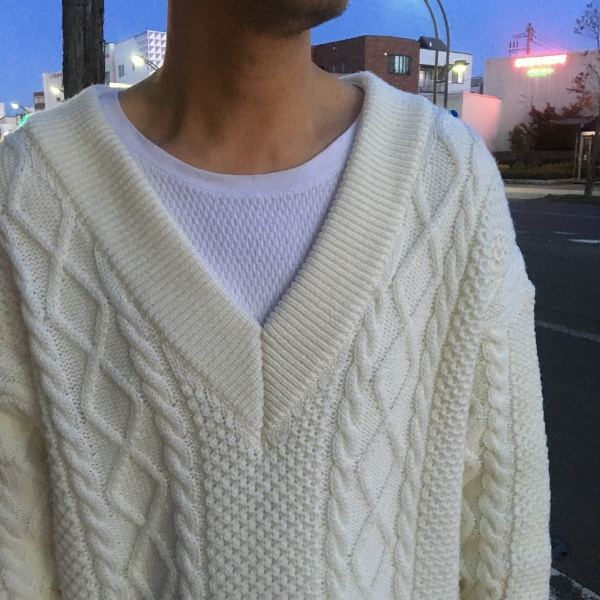 Name. ネーム CABLE KNIT OVERSIZED V NECK SWEATER 5.jpg