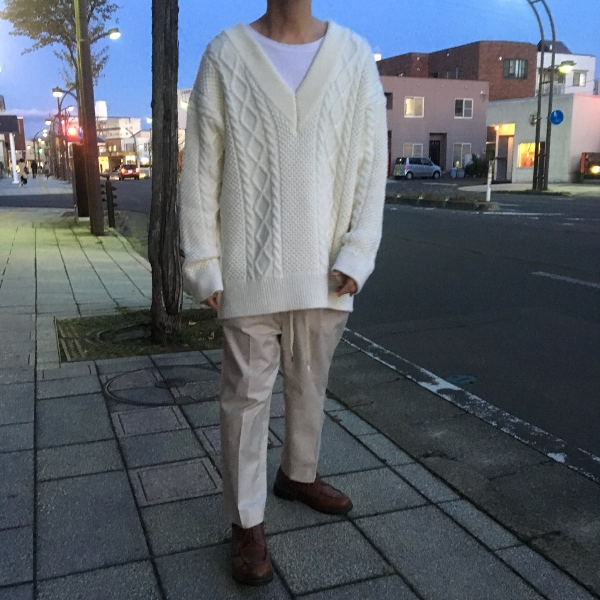 Name. ネーム CABLE KNIT OVERSIZED V NECK SWEATER 7.jpg