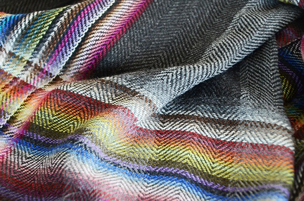 ザイノウエブラザーズ THEINOUEBROTHERS Multi Coloured Scarf Black 3.jpg