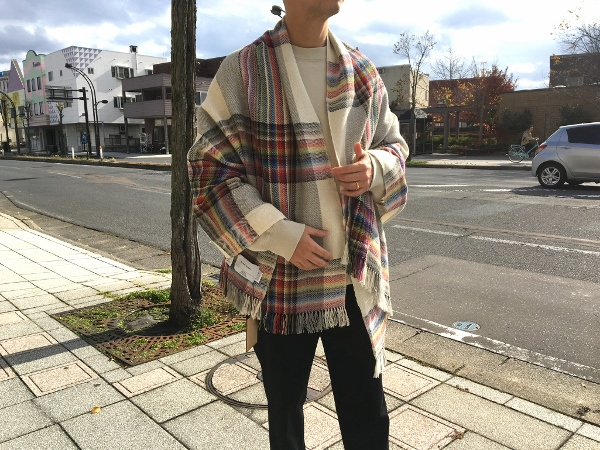 ザイノウエブラザーズ THEINOUEBROTHERS Multi Coloured Scarf White 4.jpg