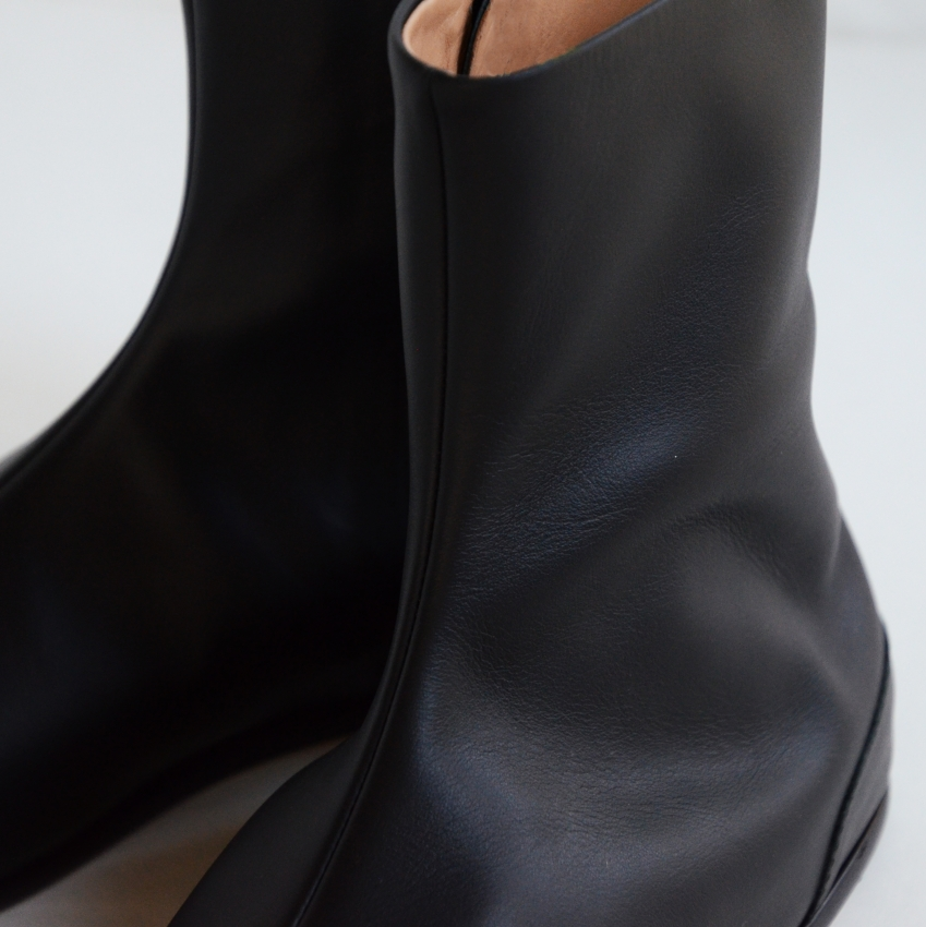 Maison Margiela メゾン マルジェラ TABI ANKLE FLAT 足袋ブーツ 4.JPG