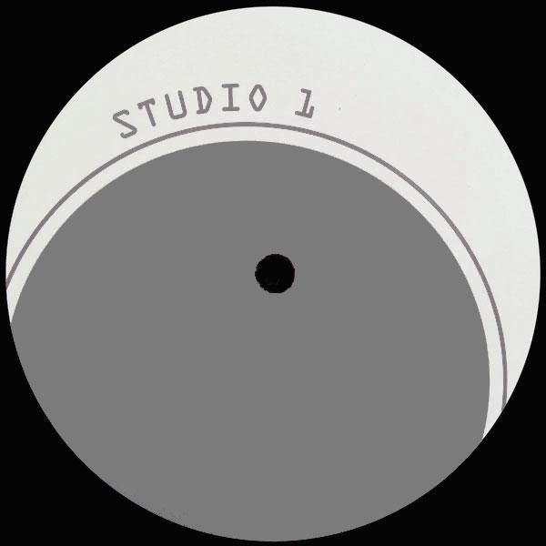 studio1_silver
