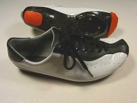 cycle shoes/side vew