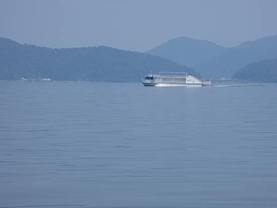 琵琶湖汽船の観光船
