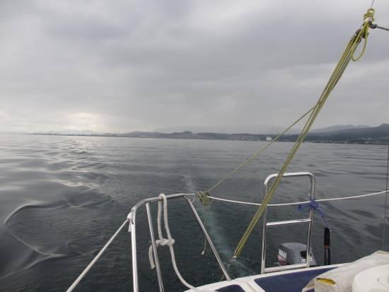 堅田の南は雨
