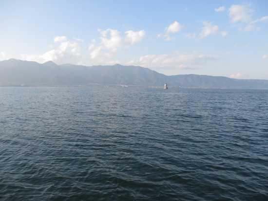 志賀沖観測塔の南を通過