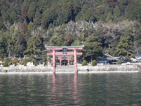 2014-01-24_1214_白鬚神社・沖の鳥居と奥の拝殿_IMG_1005_s.JPG