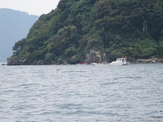 コアユを狙う漁船