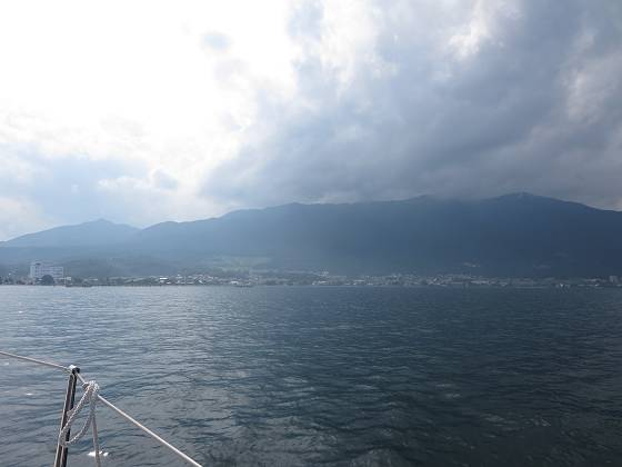 2014-07-18_1523_帰港前の比良の山並みと雲_IMG_6609_s.JPG