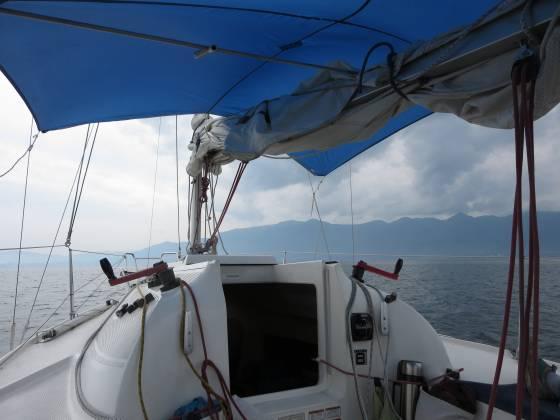 2014-07-18_1437_小雨がポツポツ、機走で志賀ヨットクラブへ向かう_IMG_6607_s.JPG