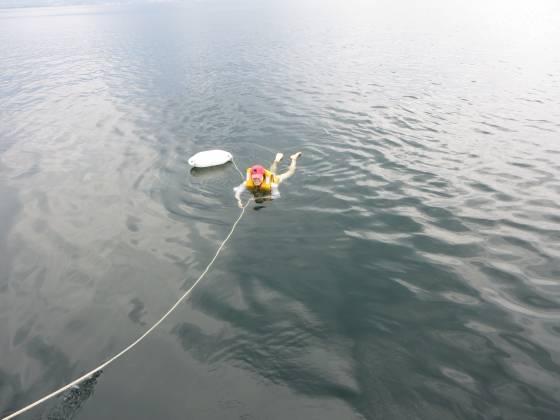 2014-07-18_1402_スターンにフェンダーを流して水遊び_IMG_6605_s.JPG