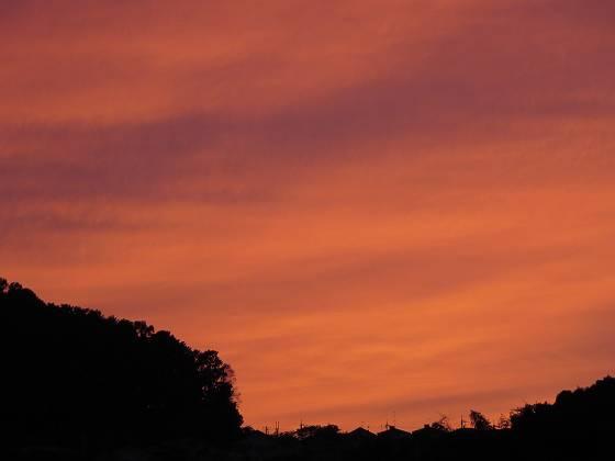 2014-10-10_1740_ホームの西に夕焼け_IMG_8176_s.JPG