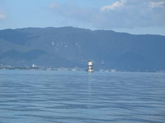 2014-10-10_1303_観測塔のはるか南を通過_IMG_8152_s.JPG