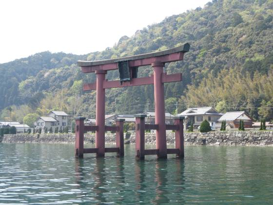 2015-04-27_1342_白鬚神社沖の鳥居通過_IMG_3035_s.JPG