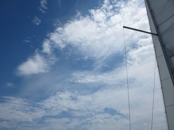 2015-07-24_1202_沖島方向の空と雲_IMG_4928_s.JPG