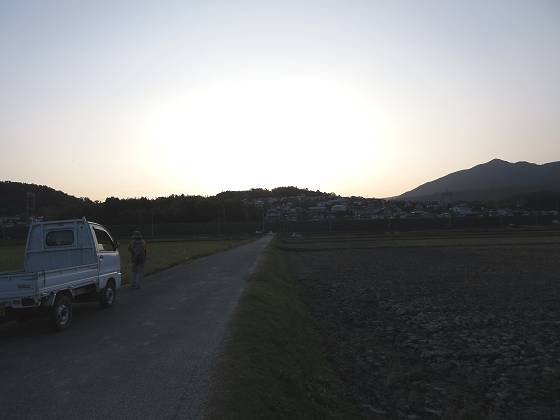 2015-10-23_1636_山の端に日が落ちた_IMG_6025_s.JPG