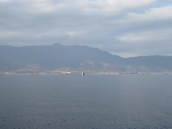 2015-12-12_1513_志賀沖観測塔の南を通過_IMG_0127_s.JPG