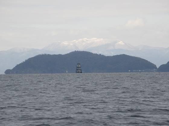 2015-152-18_1207_東に観測塔と沖島が重なるズーム_IMG_0220_s.JPG