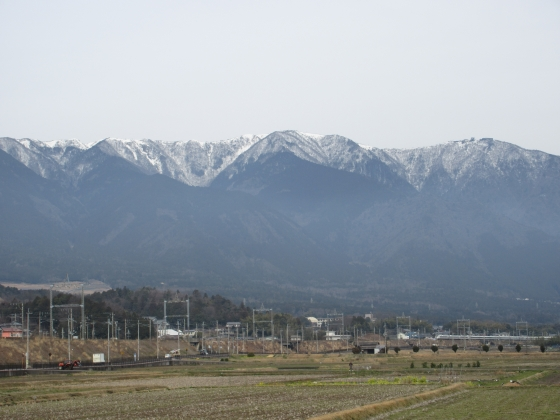 2016-03-16_1004_農道から比良の雪の山並み_IMG_1710.JPG
