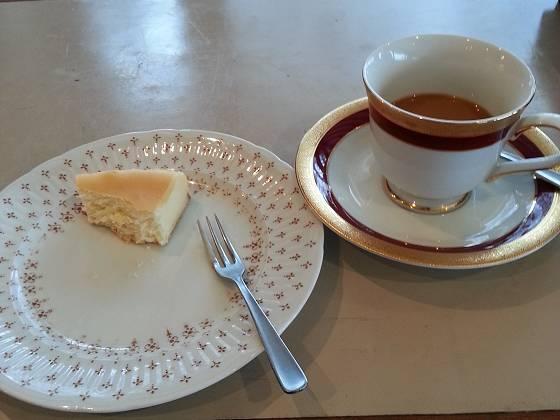 2017-01-15_1504_コーヒーとベイクドチーズケーキ_20170115_150447_ts.jpg