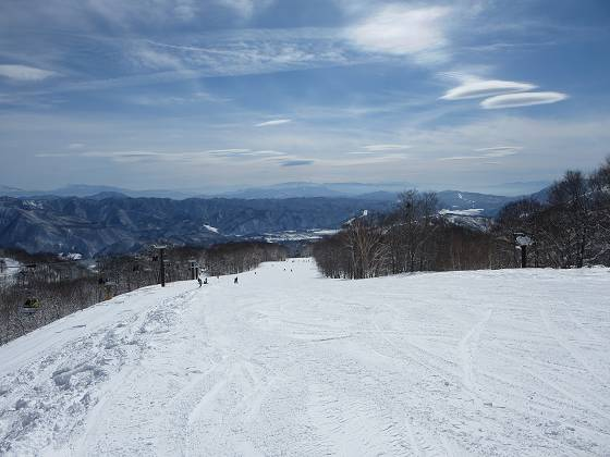 2017-02-22_1109_ハンの木ゲレンデ最上部から東方向を遠望_IMG_8076_s.JPG