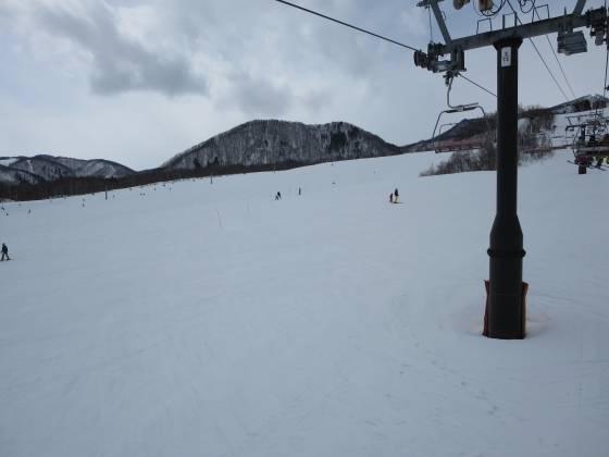 2017-02-26_1225_丸山第1クワッドリフトから鐘の鳴る丘第2ゲレンデ_IMG_8278_s.JPG