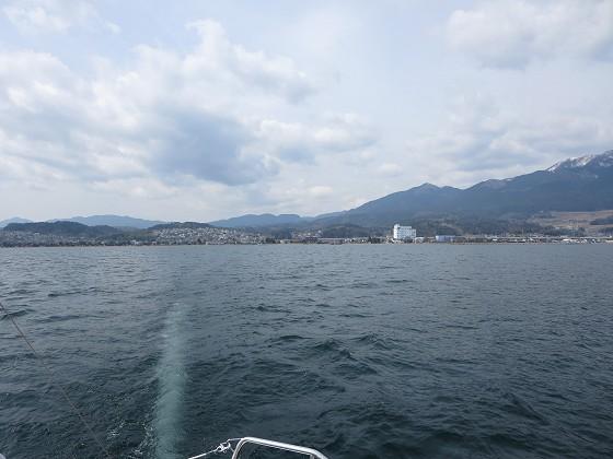 出港直後の志賀ヨットクラブ