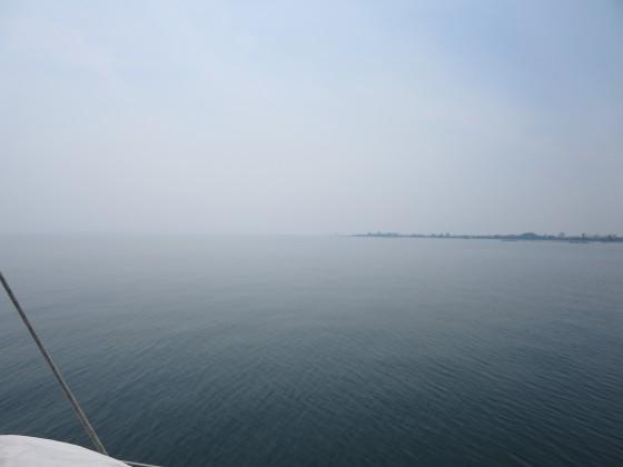 2017-05-31_1024_出港直後の和邇川河口方向の視界_IMG_0421_s.JPG