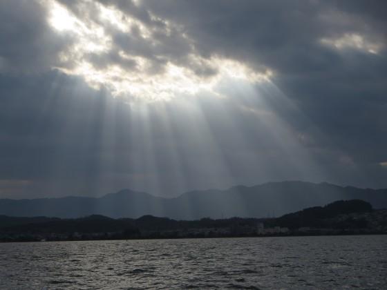 2017-11-15_1453_南西の空の雲からレンブラント光_IMG_2699_s.JPG