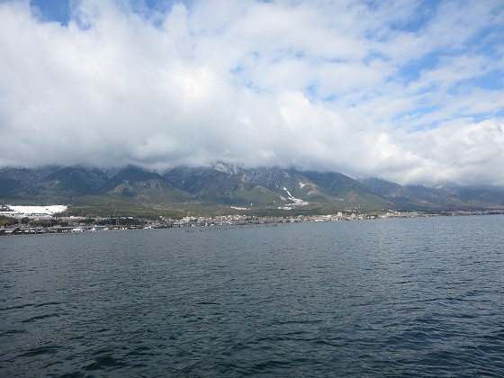 2017-12-15_1041_出港直後に見た山の雪_IMG_3455_s.JPG