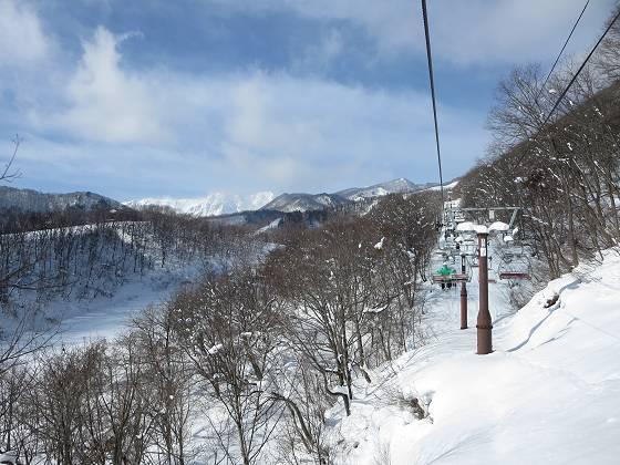 2018-01-16_1045_ハンの木第1クワッドリフトから見た杓子岳と白馬鑓ヶ岳_IMG_3944_s.JPG