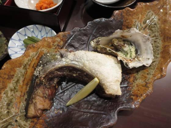 2018-01-18_1803_夕食・ブリカマの塩焼き+焼き牡蠣_IMG_4014_s.JPG