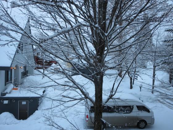 2018-02-21_0636_窓の外の雪の様子_IMG_4426_s.JPG